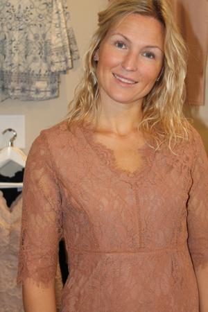 Cream Adriana Dress Spetsklänning 2/4ärm sunbrown